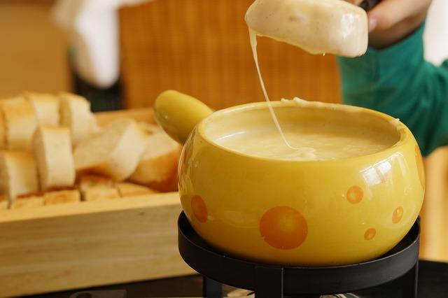 5 bonnes raisons de venir déguster une fondue savoyarde dans votre restaurant